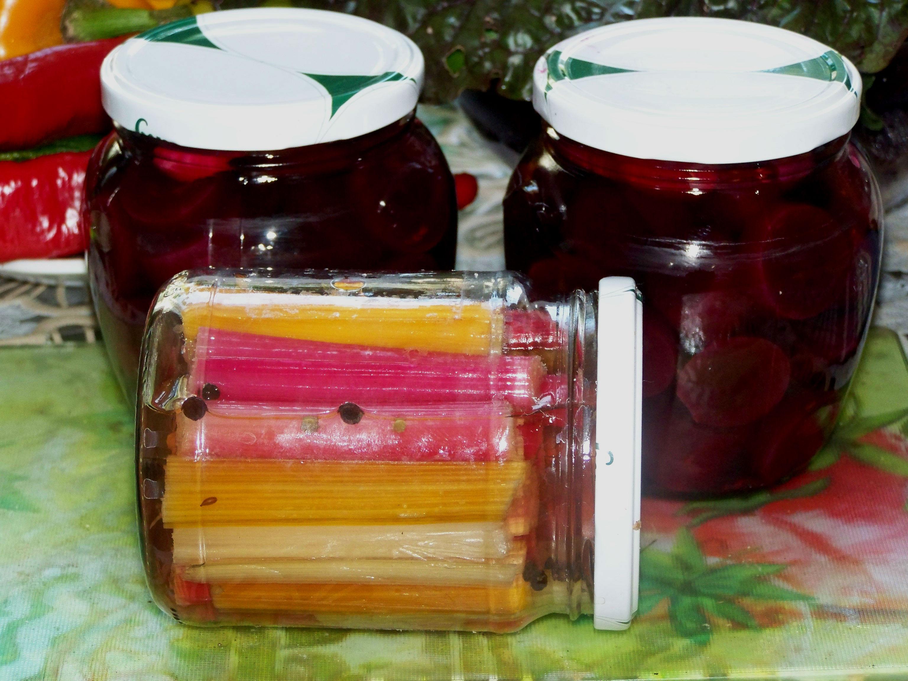 Свёкла и мангольд в маринаде
