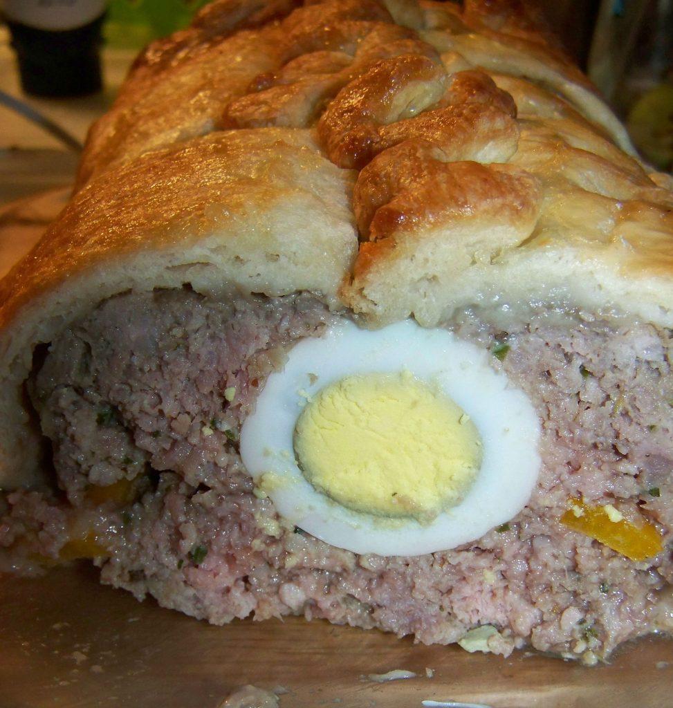 Пасхальный мясной пирог